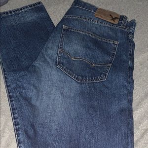 2- pairs Men's American eagle jeans